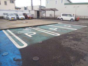 東名厚木店駐車場
