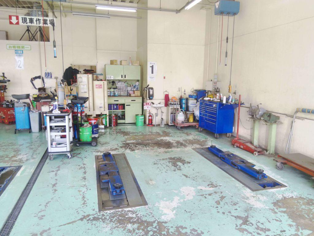 東名厚木店整備工場